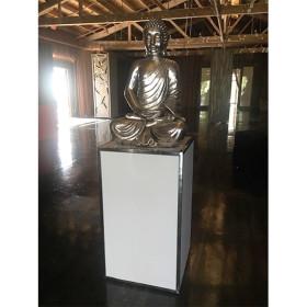 Uno pedestal and Angkor buddah