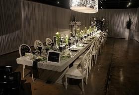 feast-table-391